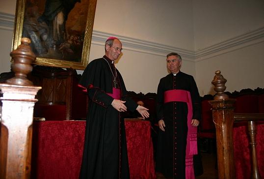 El Vicario General presenta su renuncia