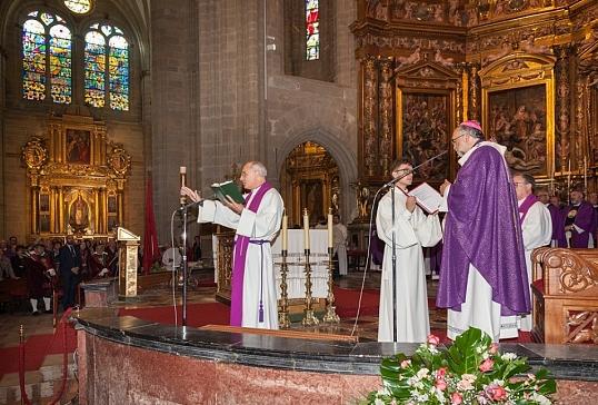 Homilía Mons. Jesús Sanz en la Misa Exequial de D. Juan Antonio Menéndez