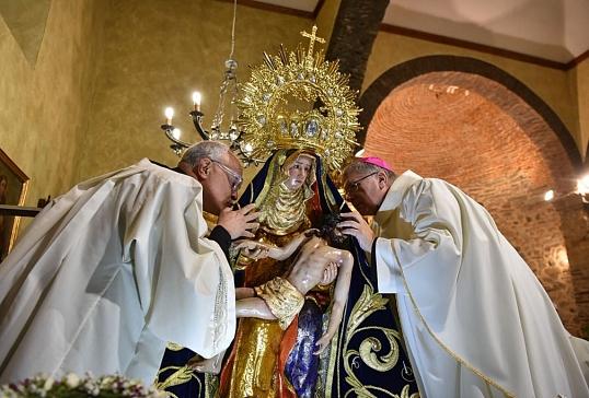 Mons.Juan Antonio Menéndez.Un año en la memoria.Un año en el corazón.Un legado que continúa vivo.