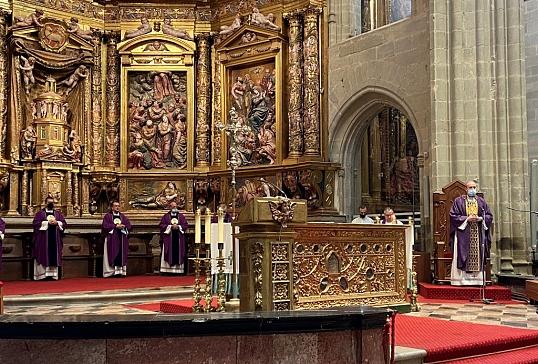 Misa por el eterno descanso de Mons. Rafael Palmero
