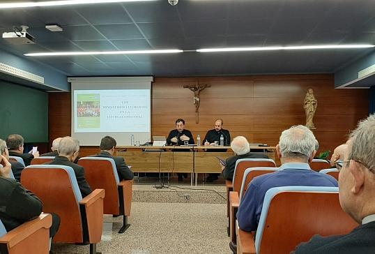 D. José Luis Castro da una comunicación en el Encuentro Anual de Delegados de Liturgia