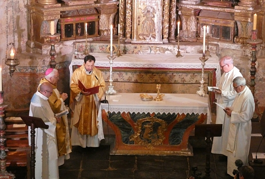 Eucaristía en rito hispano-mozárabe en el 1.100 aniversario de la iglesia de San Pedro de Montes