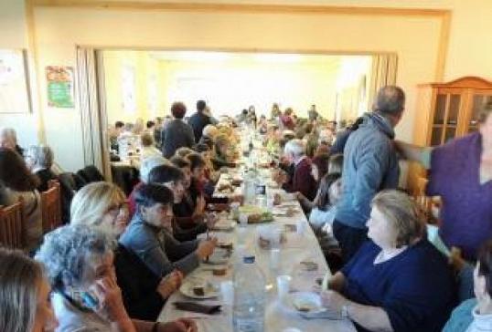Cáritas Vidriales organiza un almuerzo solidario para proyectos de ayuda en la zona