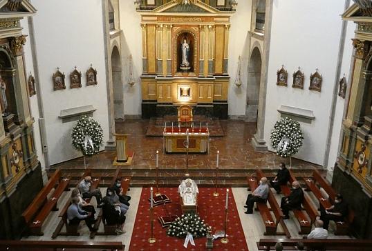 CAPILLA ARDIENTE DE MONS. CAMILO LORENZO IGLESIAS