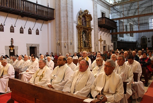 La diócesis abre el Mes Misionero Extraordinario en el monasterio de San Miguel de las Dueñas