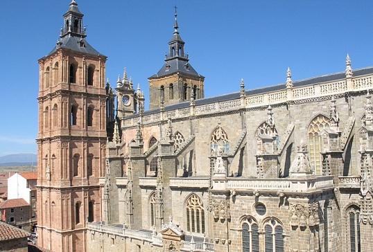 La Catedral de Astorga amplía el horario de las visitas guiadas