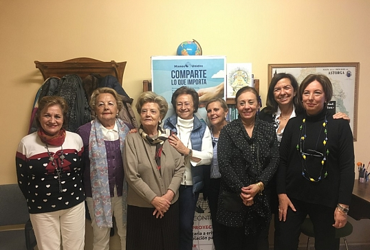 La presidenta nacional de Manos Unidas visita la delegación de Astorga