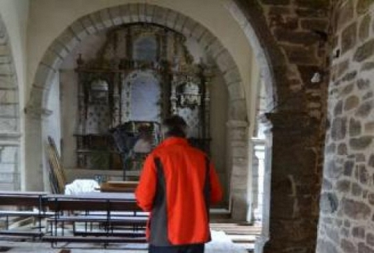 Villanueva de Valrojo reabre su iglesia, recién reformada
