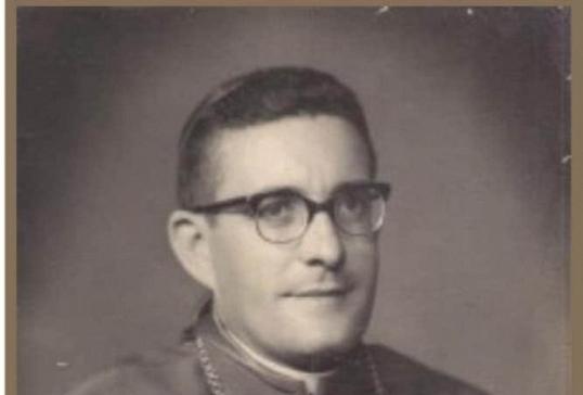 Mons. Eloy Tato celebra 60 años como Obispo