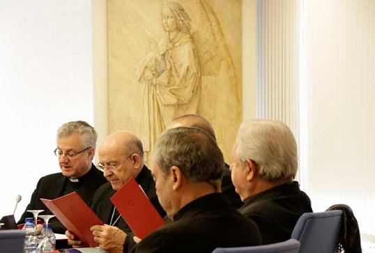 El obispo de Astorga participa en la reunión de la Permanente de la CEE