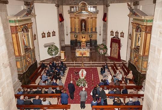 Celebración de la Santa Misa y funerales solemnes por  D. Juan Antonio Menéndez