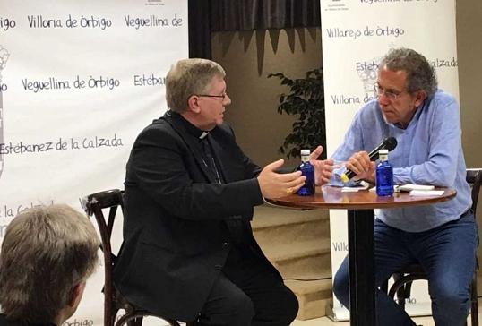 El obispo de Astorga participa en