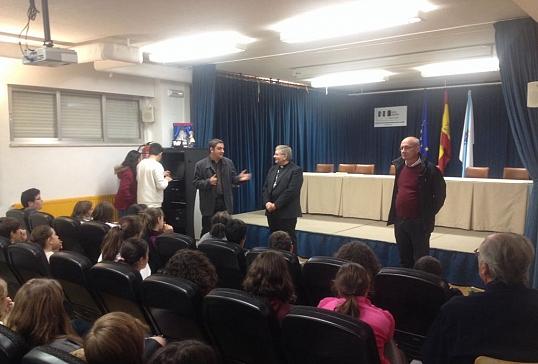 El Obispo visita el I.E.S.Carlos Casares de Viana